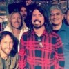 "El médico de Dave Grohl hace el cover de White Stripes, ""Seven Nation Army"""